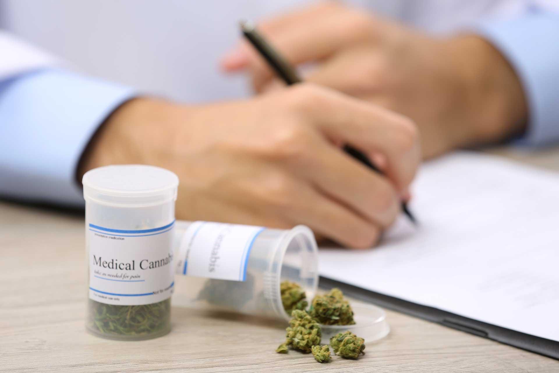 Betriebshaftpflichtversicherung-für-medizinischen-Cannabisanbau